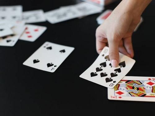 بازی پینوکل چیست