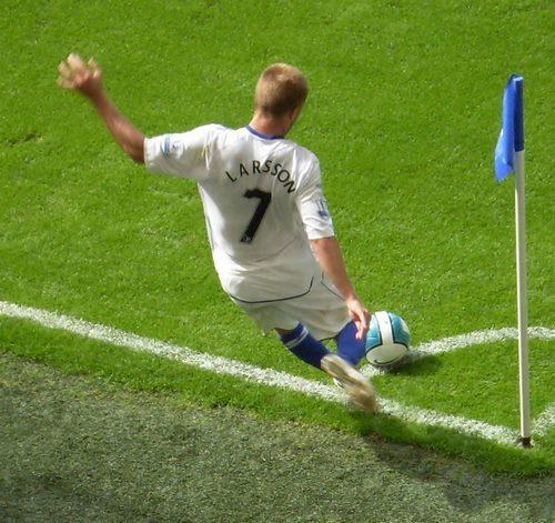 آموزش گل زدن از کرنر در فوتبال