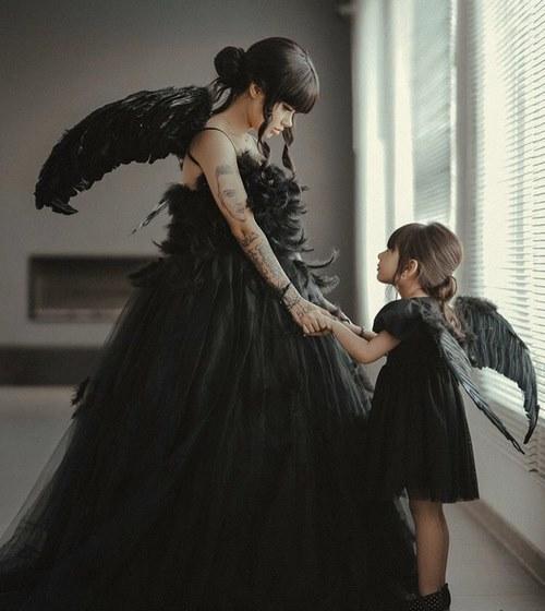 ملیکا تهامی و دخترش
